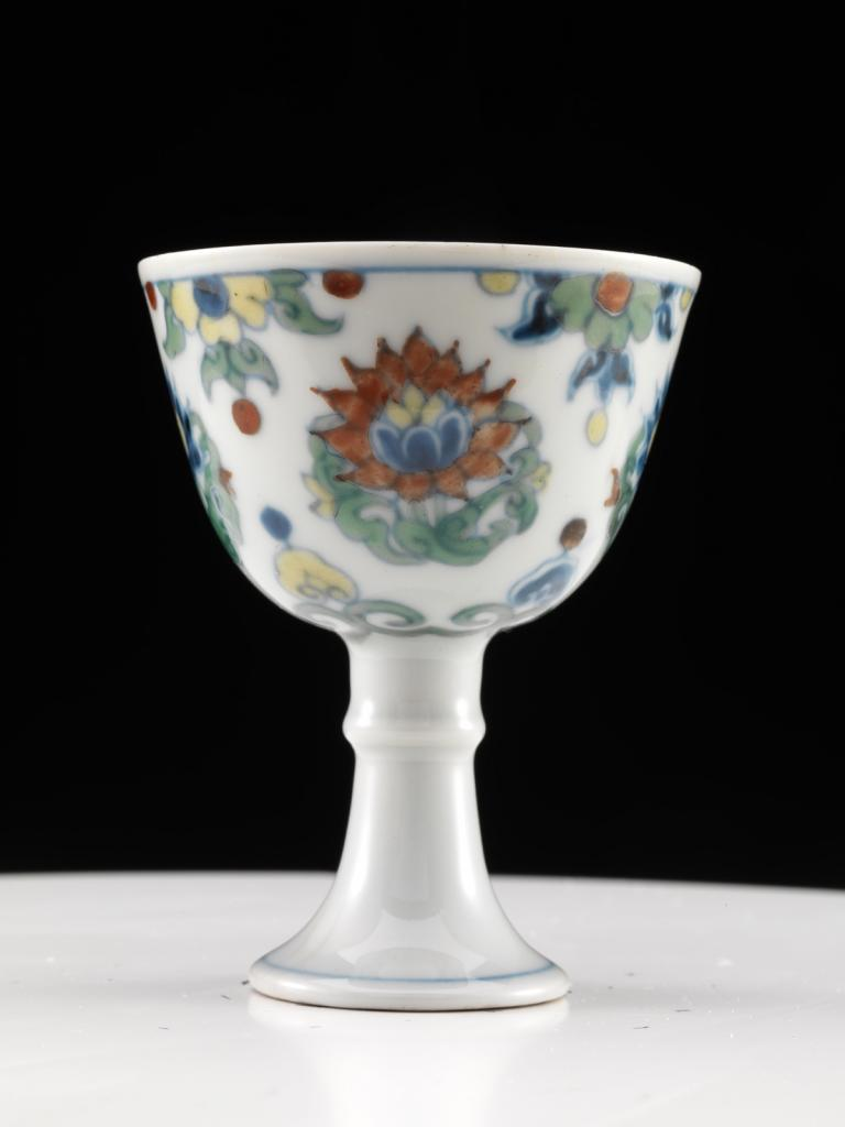 Stem cup with lotus design in doucai technique image